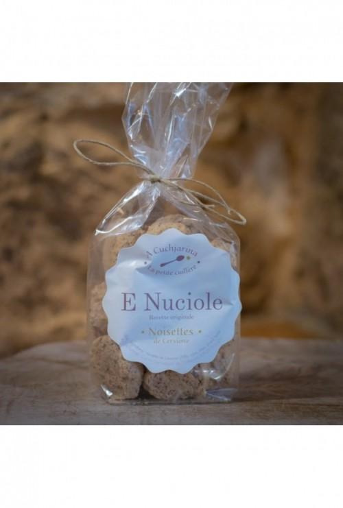 E nuciole, noisettes de Cervioni (A Cuchjarina)